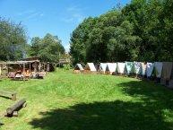 Táborová základna Nečín-Jablonce (v červenci 2006)